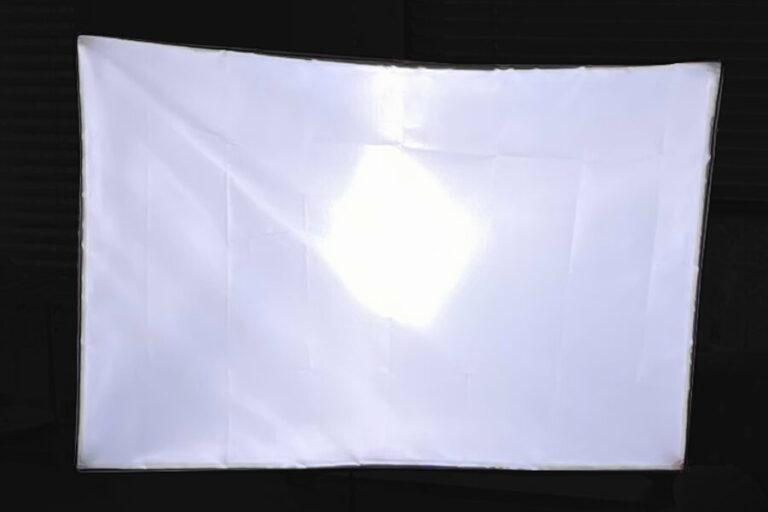 softbox leuchtet im dunkeln