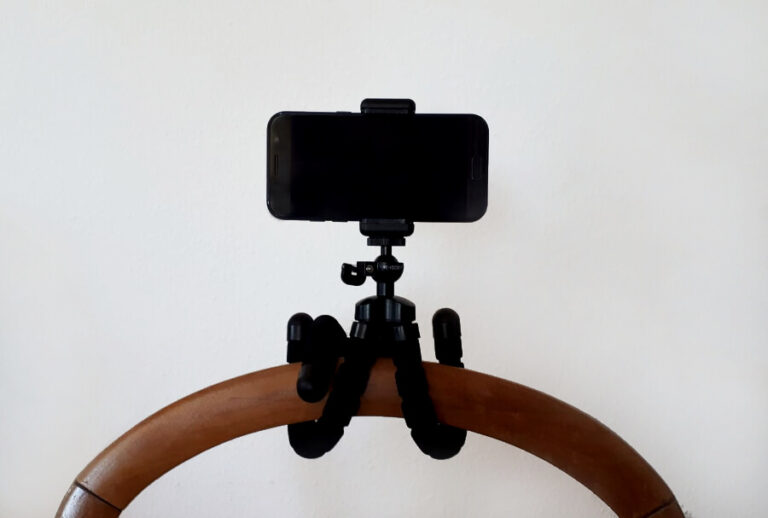 Oktopus Tripod mit Smartphone